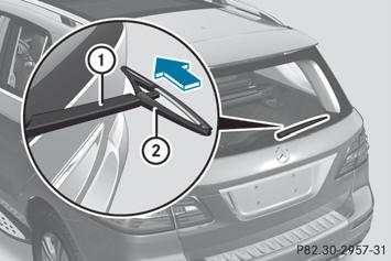 Replacing the rear window wiper blade - Replacing the wiper